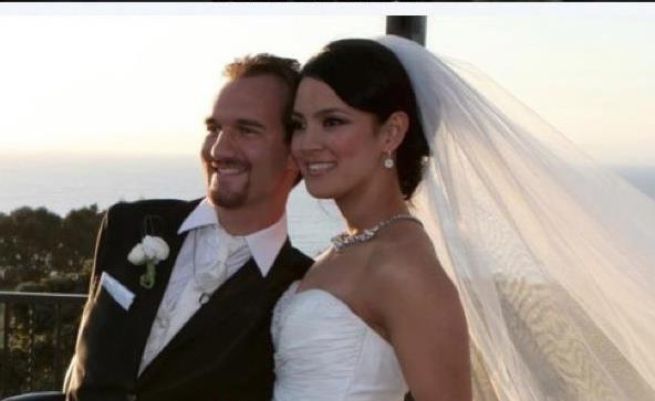 Ник женат