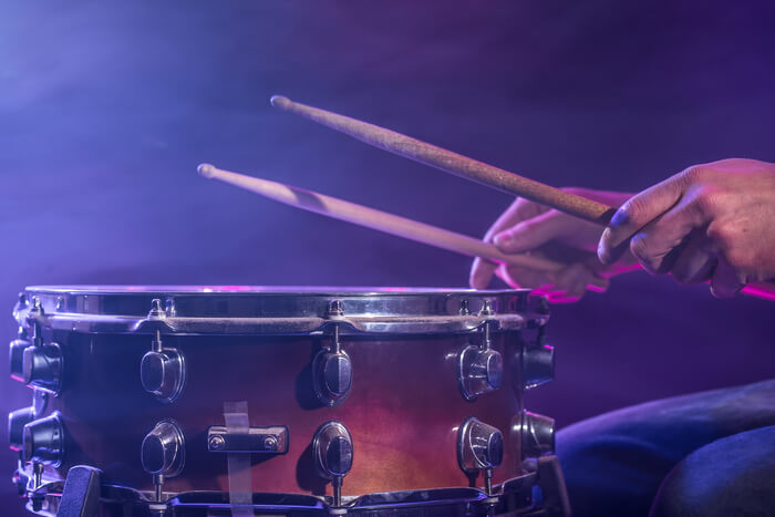 drummer-plays-the-drums